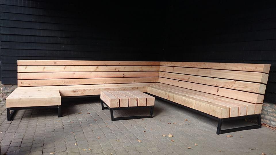 Unieke tuin loungebank op maat laten maken design for for Steigerhout loungeset zelf maken